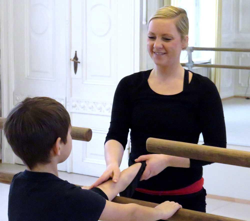 lehrerInnen-laienschule-dance-school-carina-von-allwoerden