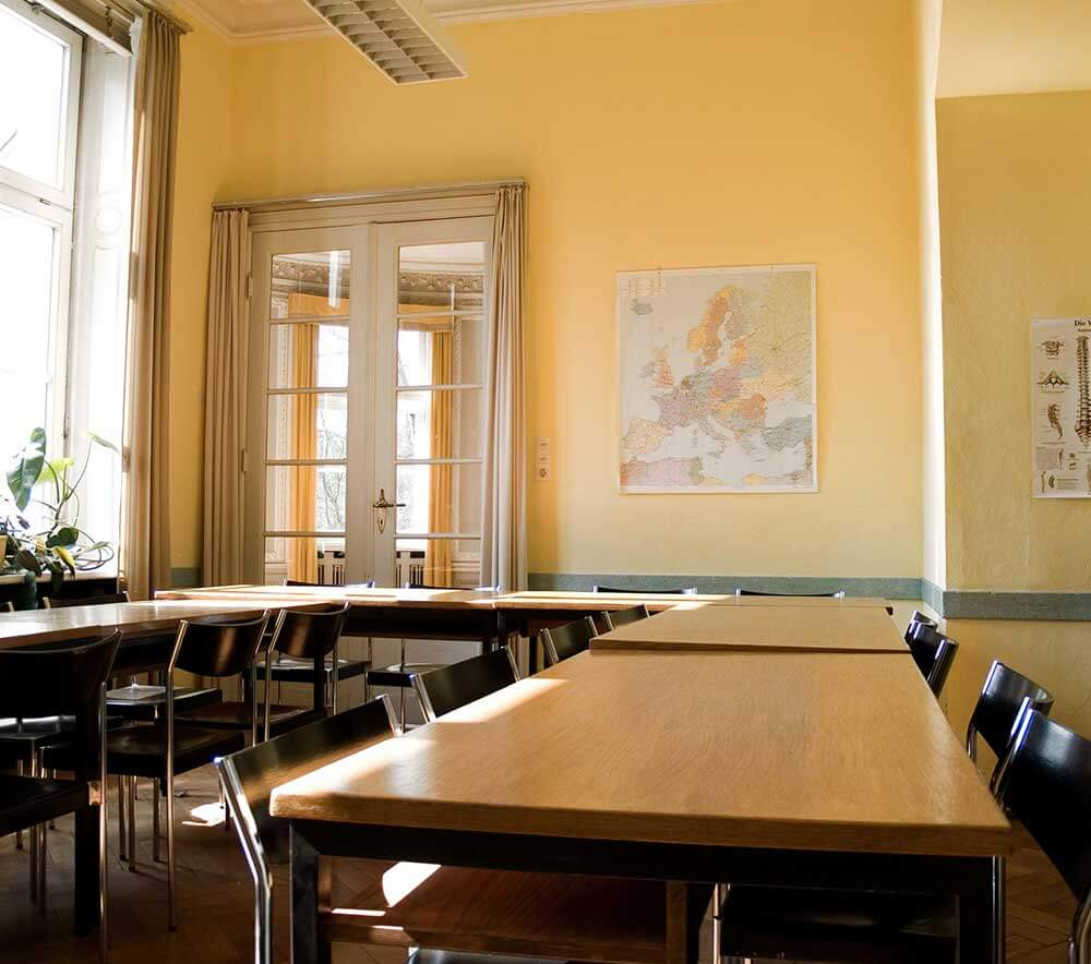 lolaroggeschule-hirschpark-theorieraum