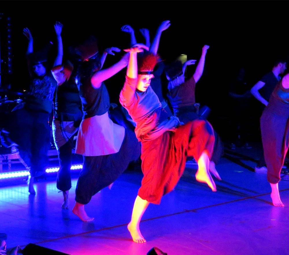 lolarogge-2015-tanz-im-zirkuszelt1