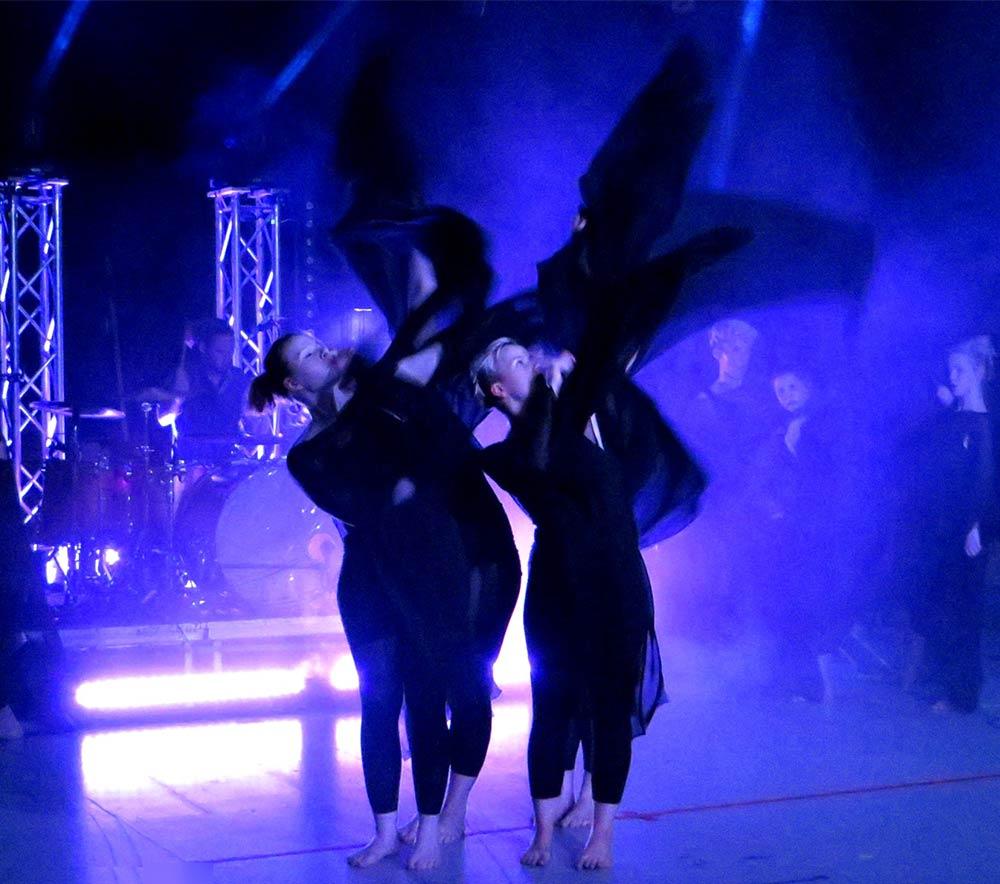 lolarogge-2015-tanz-im-zirkuszelt12