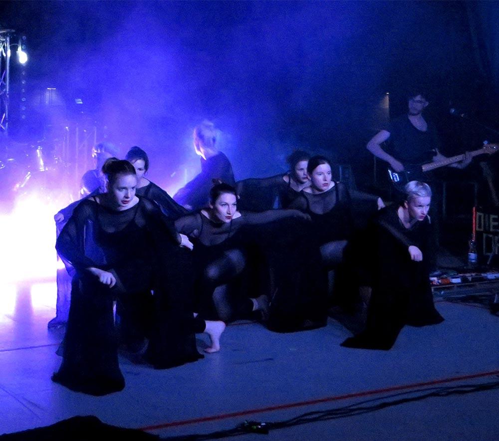 lolarogge-2015-tanz-im-zirkuszelt13