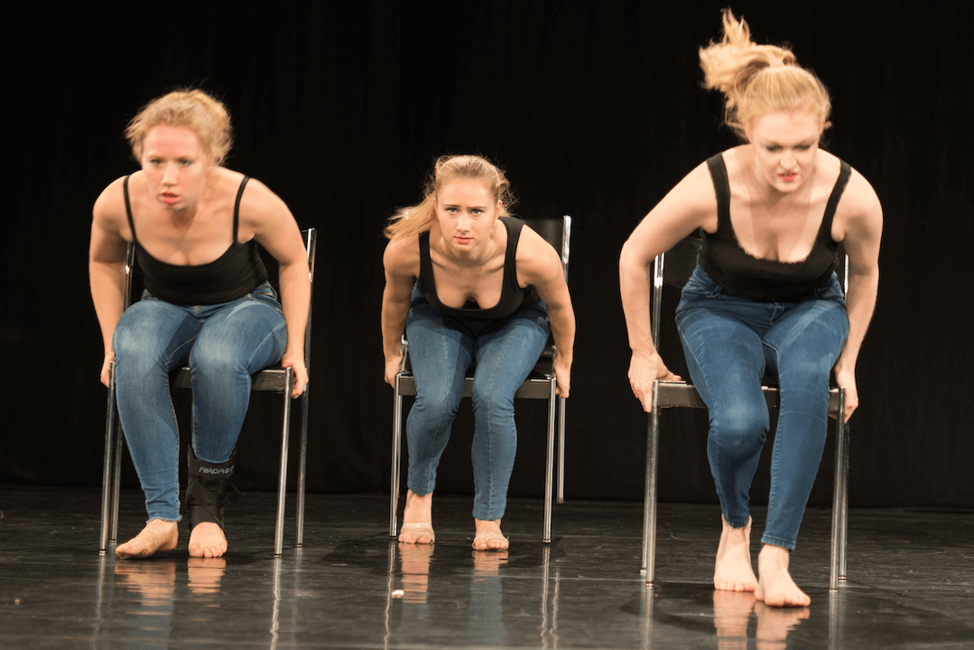7-_DSC9893-lola-rogge-schule-examenschoreographien-buenning-oktober-2017