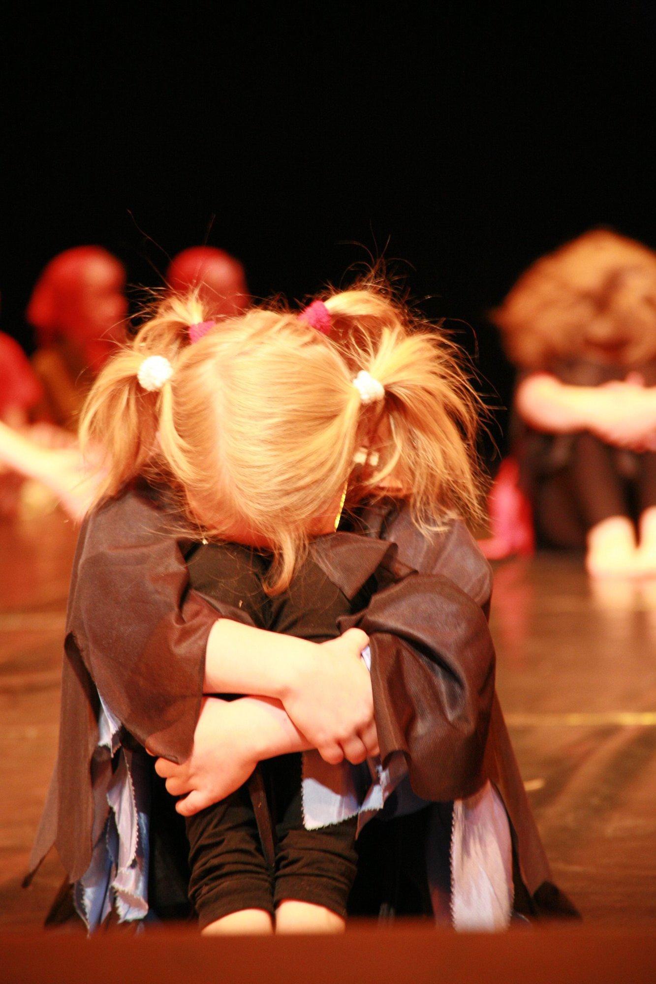 4-IMG_0249lolaroggeschule-kinderauffuehrung-diekleinehexe-herve-2006