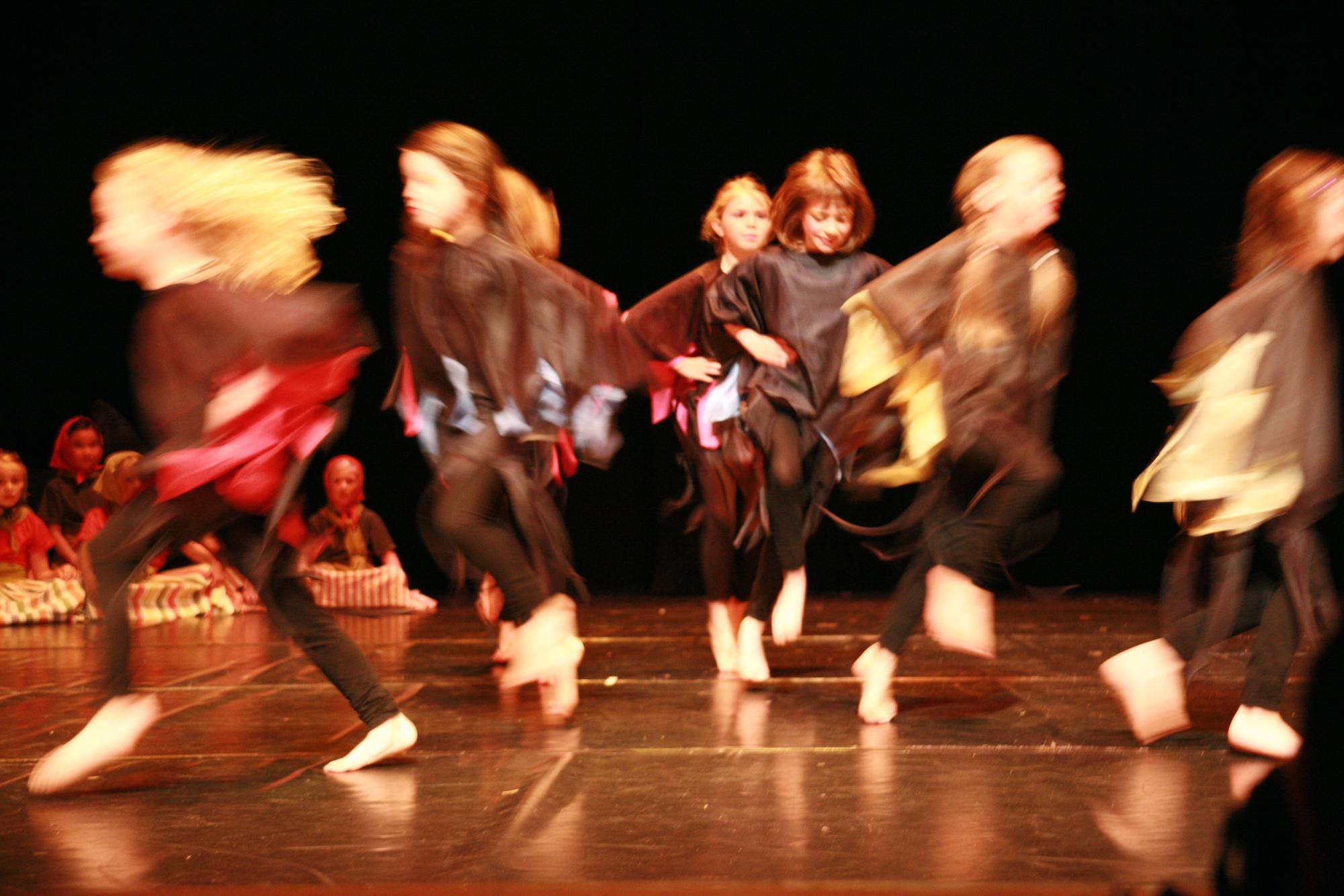 5-IMG_0253lolaroggeschule-kinderauffuehrung-diekleinehexe-herve-2006