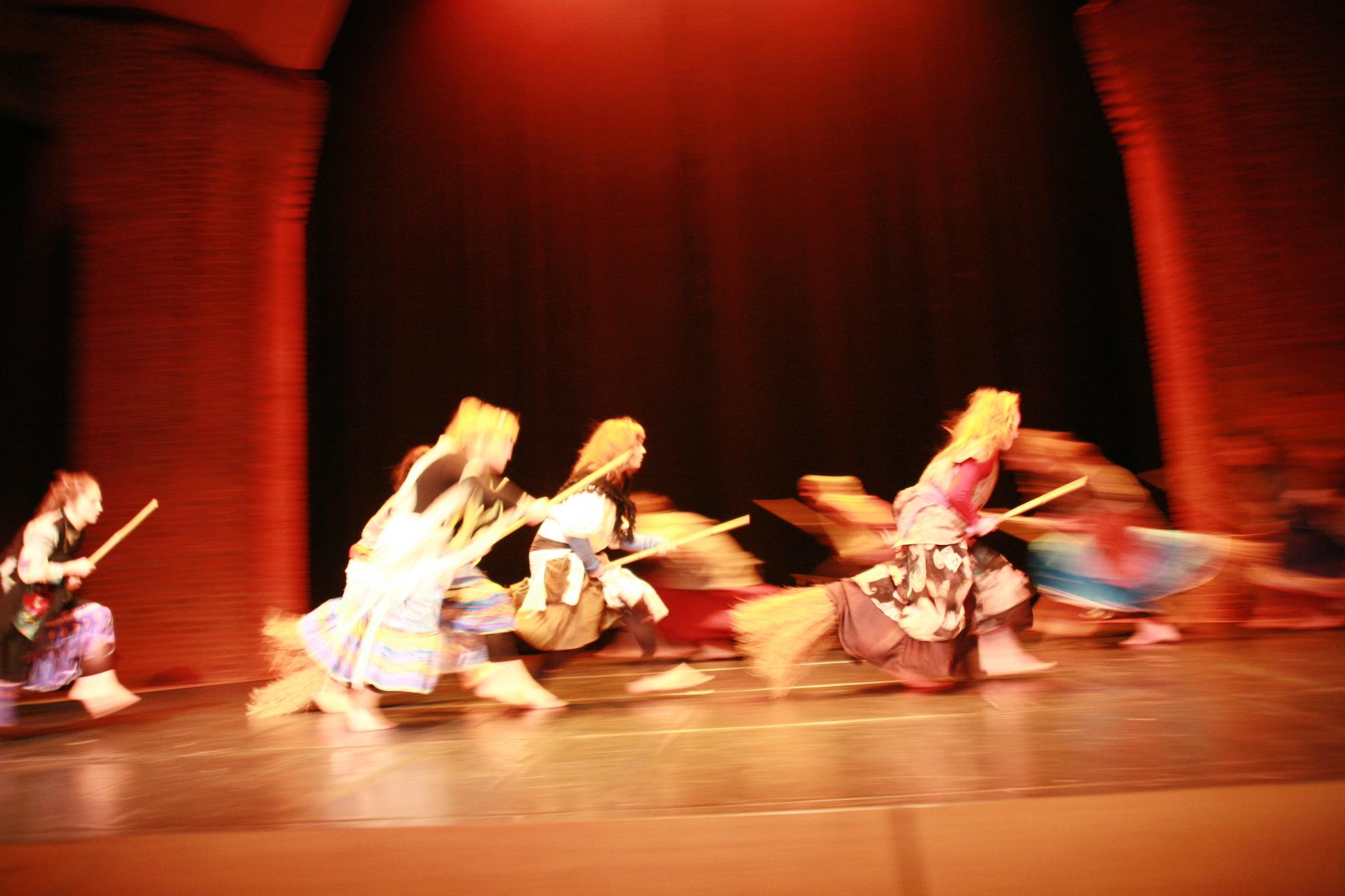 8-IMG_0264lolaroggeschule-kinderauffuehrung-diekleinehexe-herve-2006