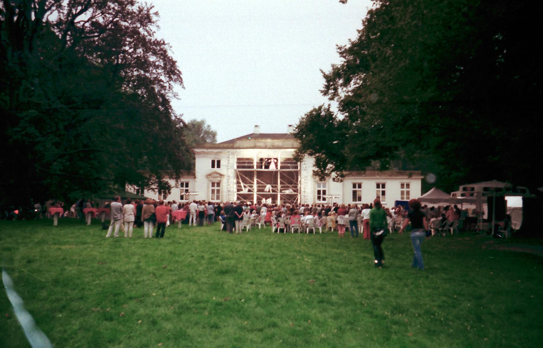 O&U 2002, 11-F-lolaroggeschule-oben-und-unten-2002